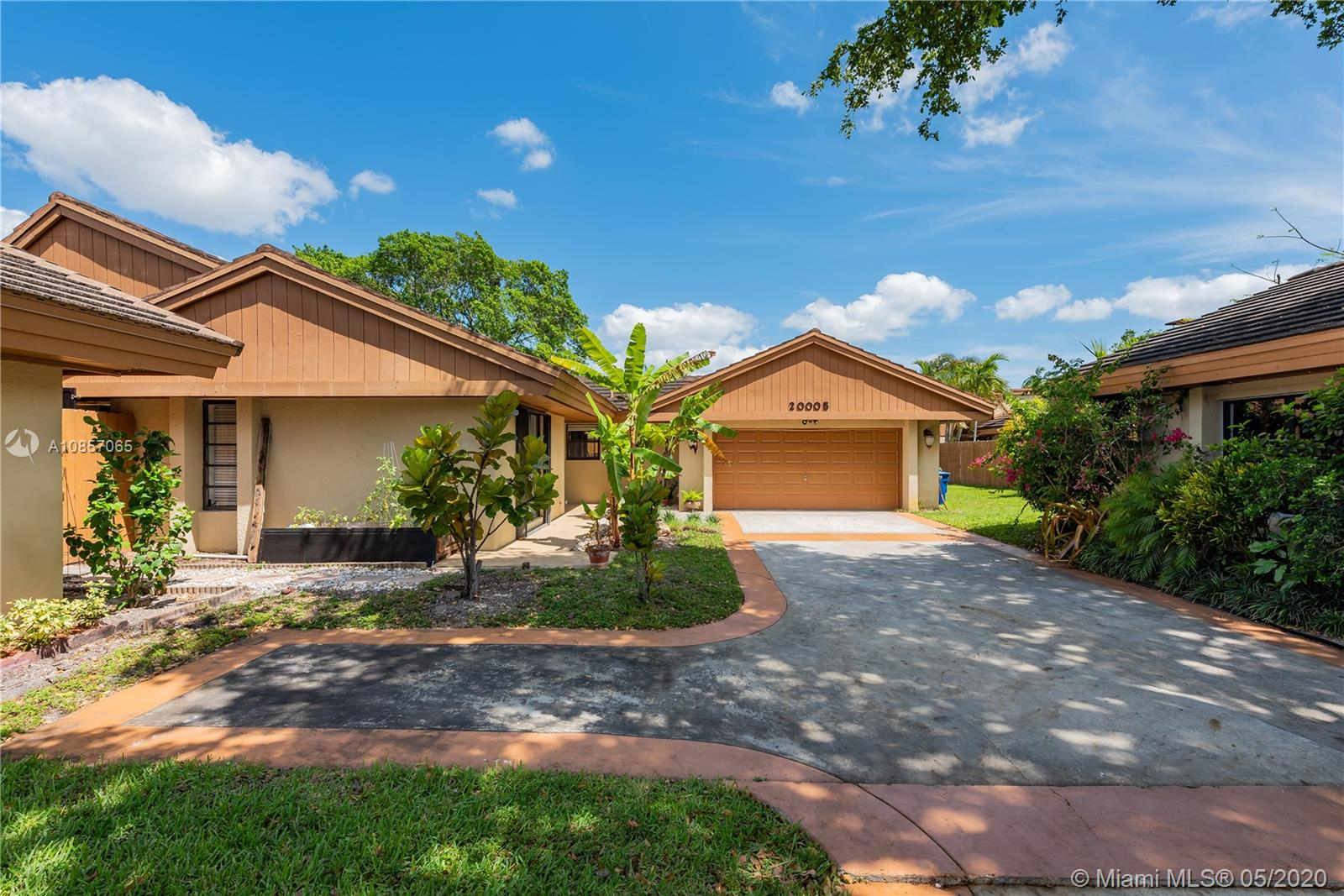 20005 NE 10th Place Way  For Sale A10857065, FL