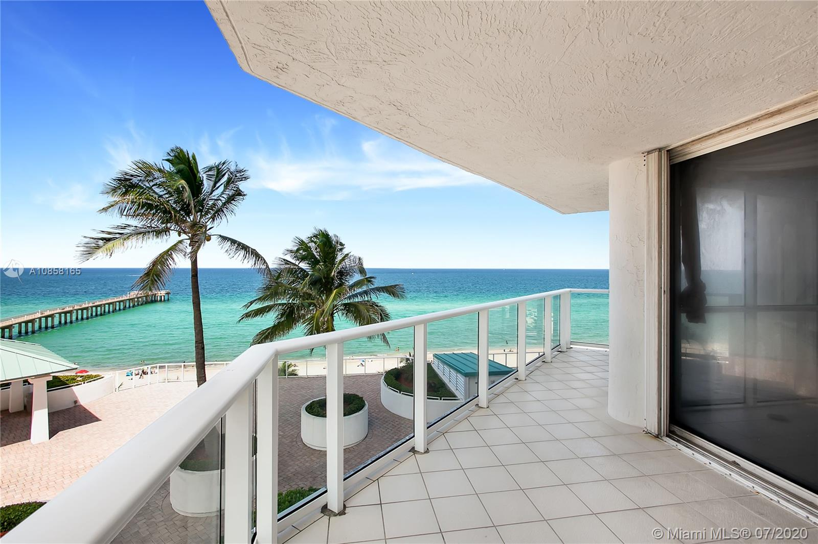 16485  Collins Ave #636 For Sale A10858165, FL
