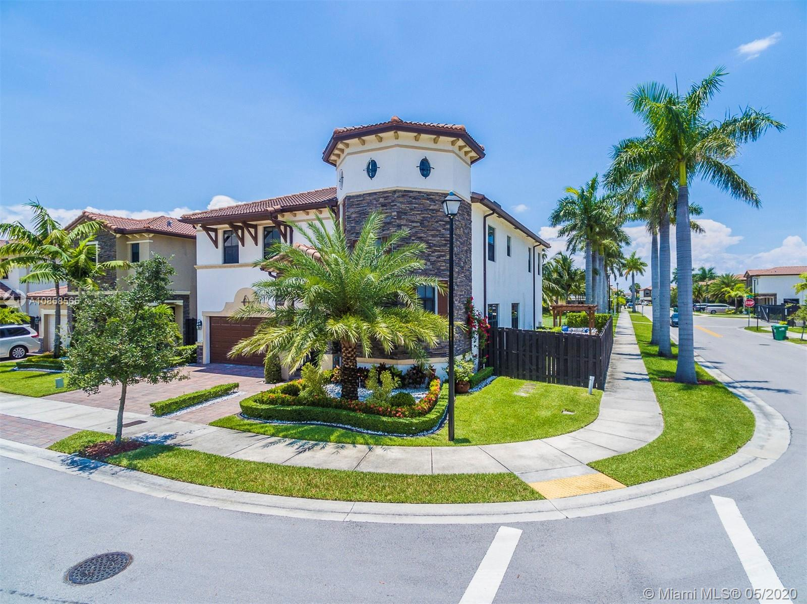 8920 NW 98th Ct  For Sale A10858565, FL