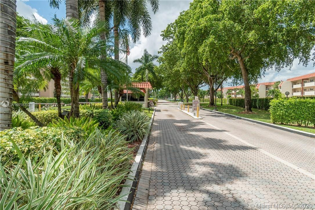 8911 S Hollybrook Blvd #310 For Sale A10858702, FL