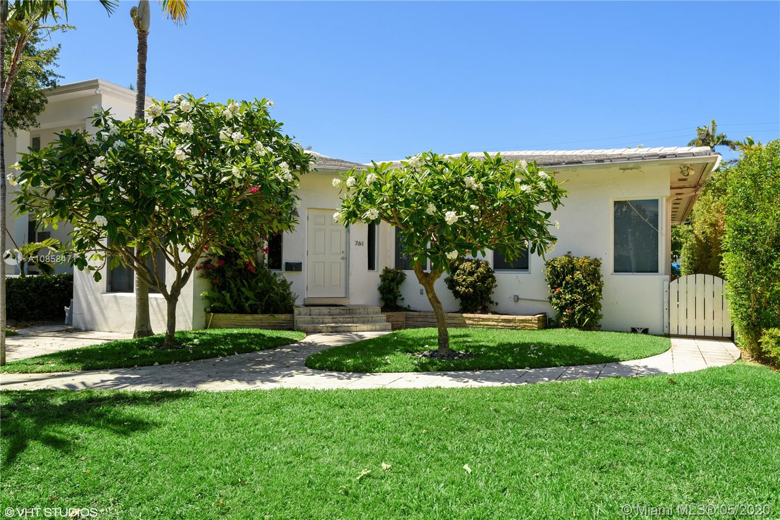 761  Lakeview Dr  For Sale A10858471, FL