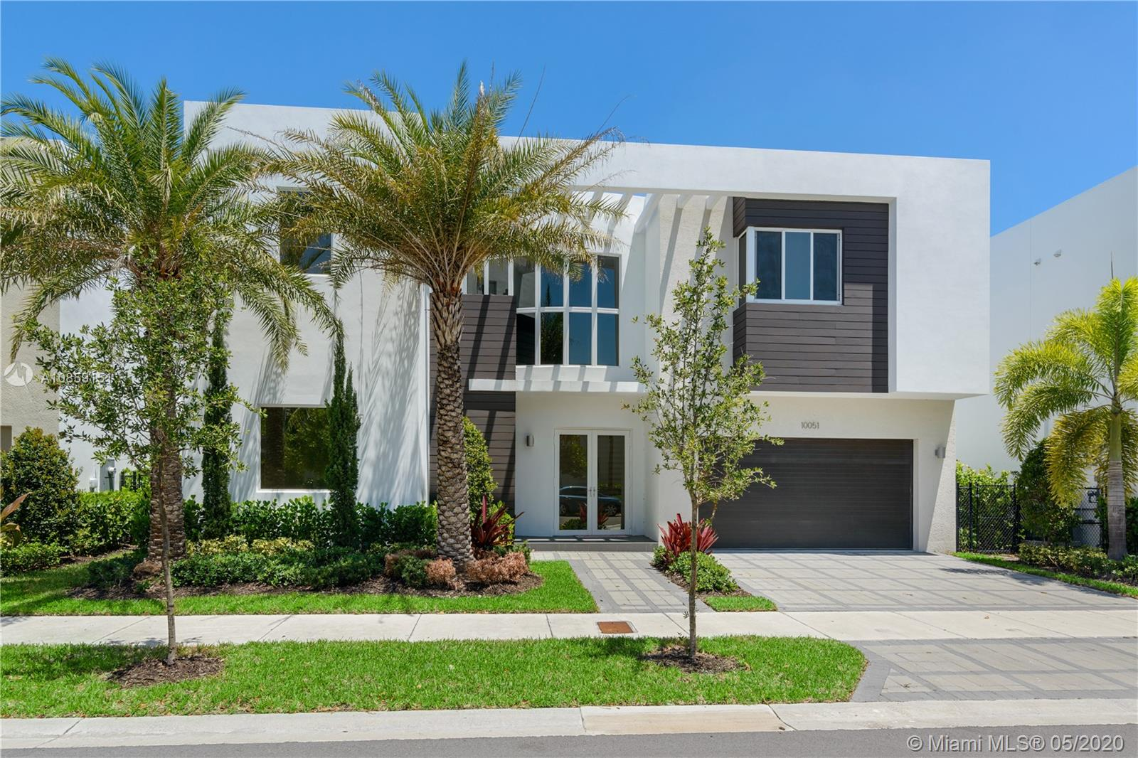 10051 NW 75th Ter  For Sale A10859151, FL