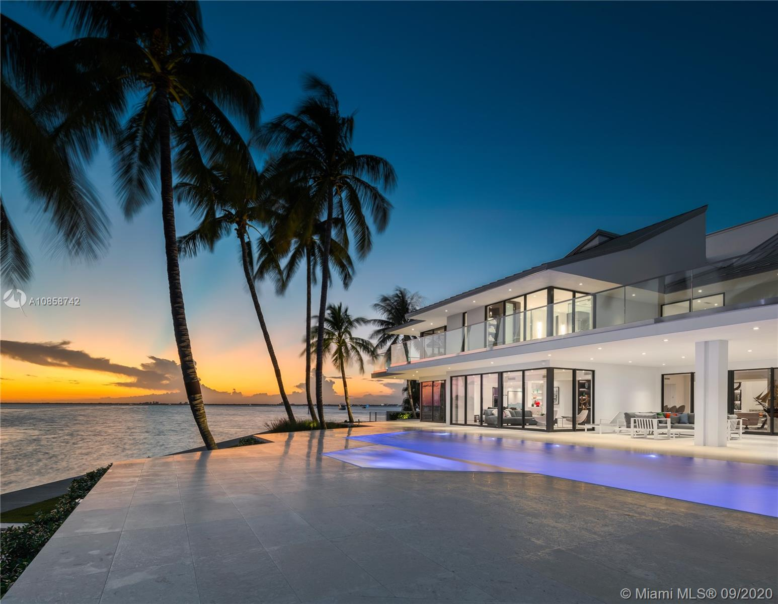 28  Harbor Pt  For Sale A10858742, FL