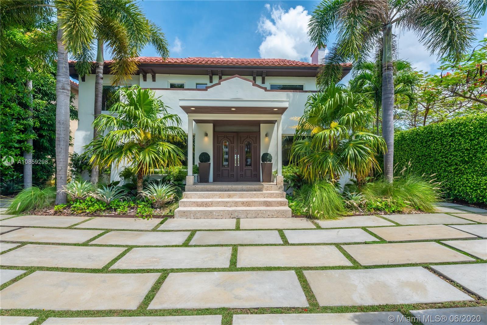 2500 S Miami Ave  For Sale A10859298, FL