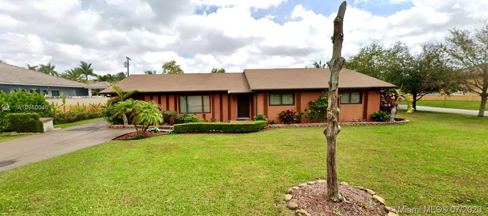 2700 NW 100th Ave  For Sale A10860046, FL