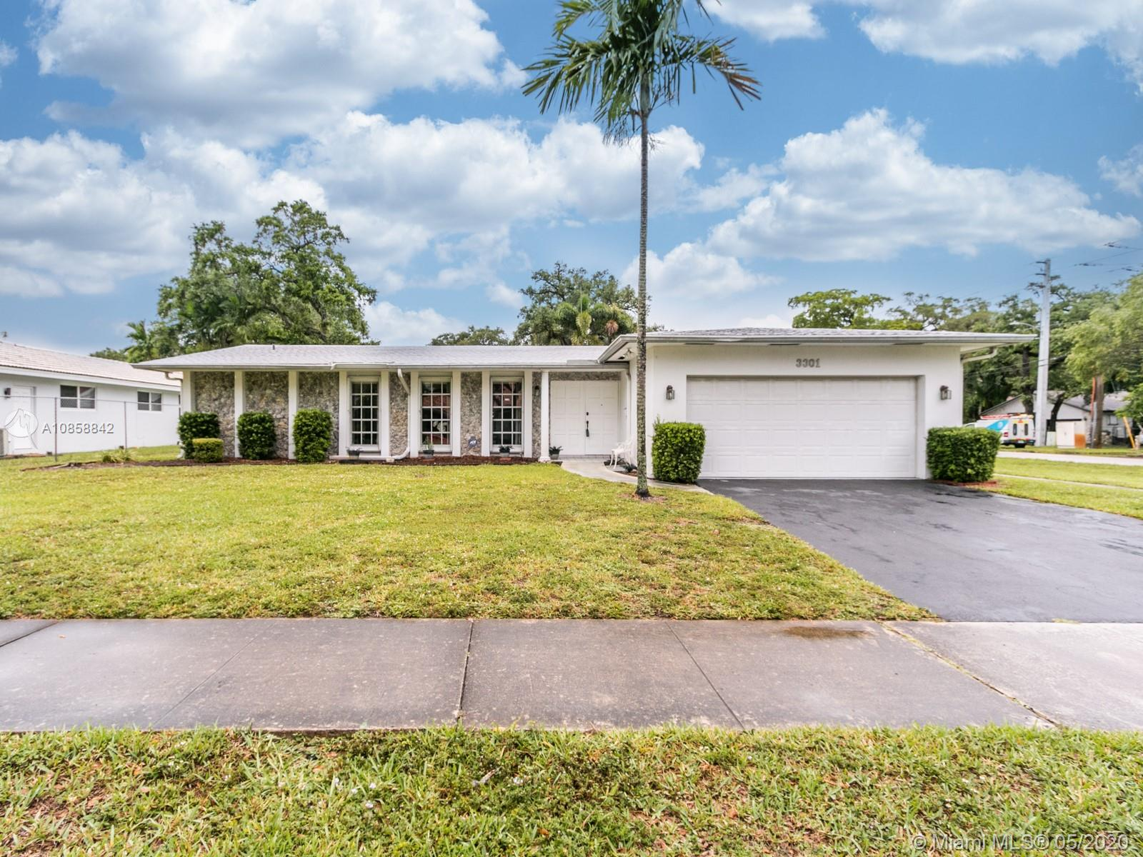 3301 N Hills Dr  For Sale A10858842, FL