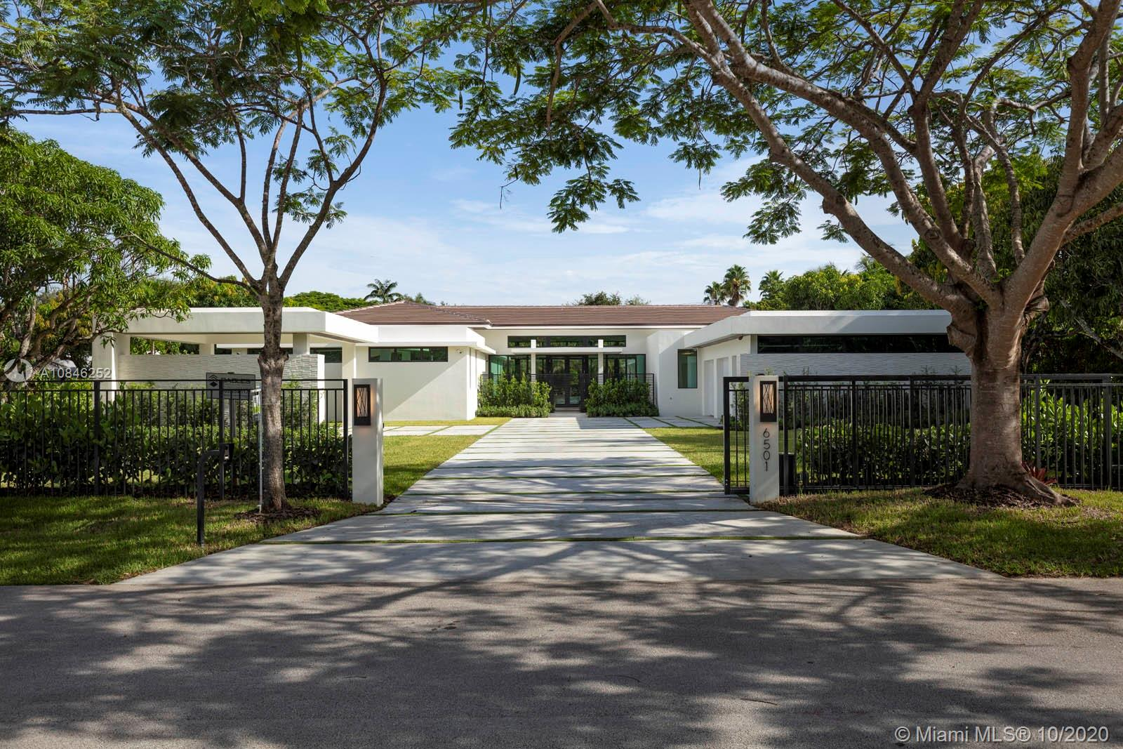 6501 SW 94th St  For Sale A10846252, FL
