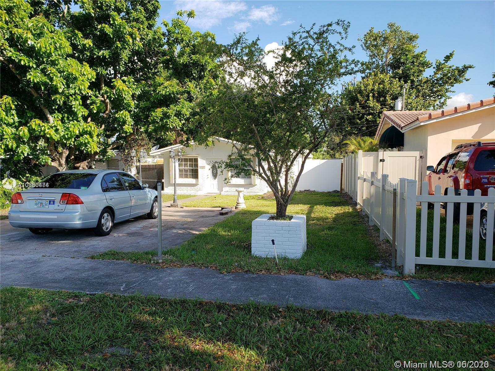 6321  Buchanan St  For Sale A10860484, FL