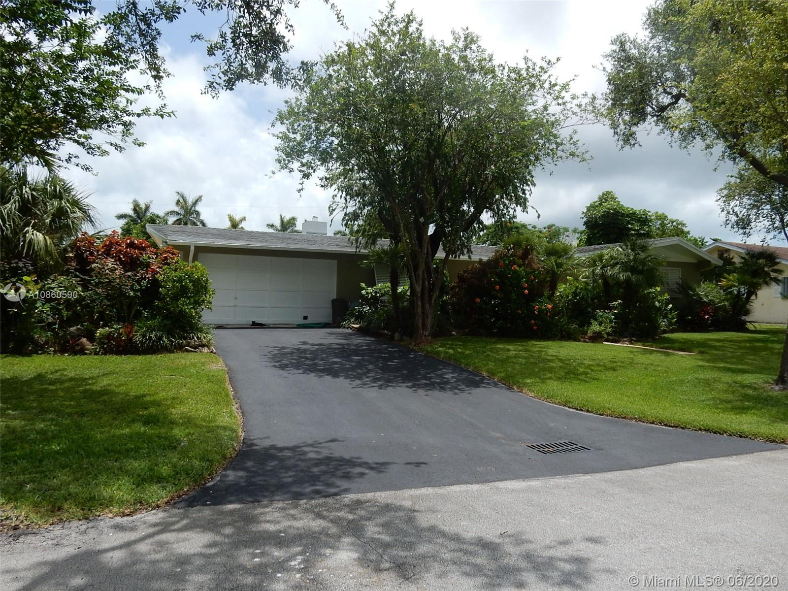 18451 SW 84th Ct  For Sale A10860590, FL