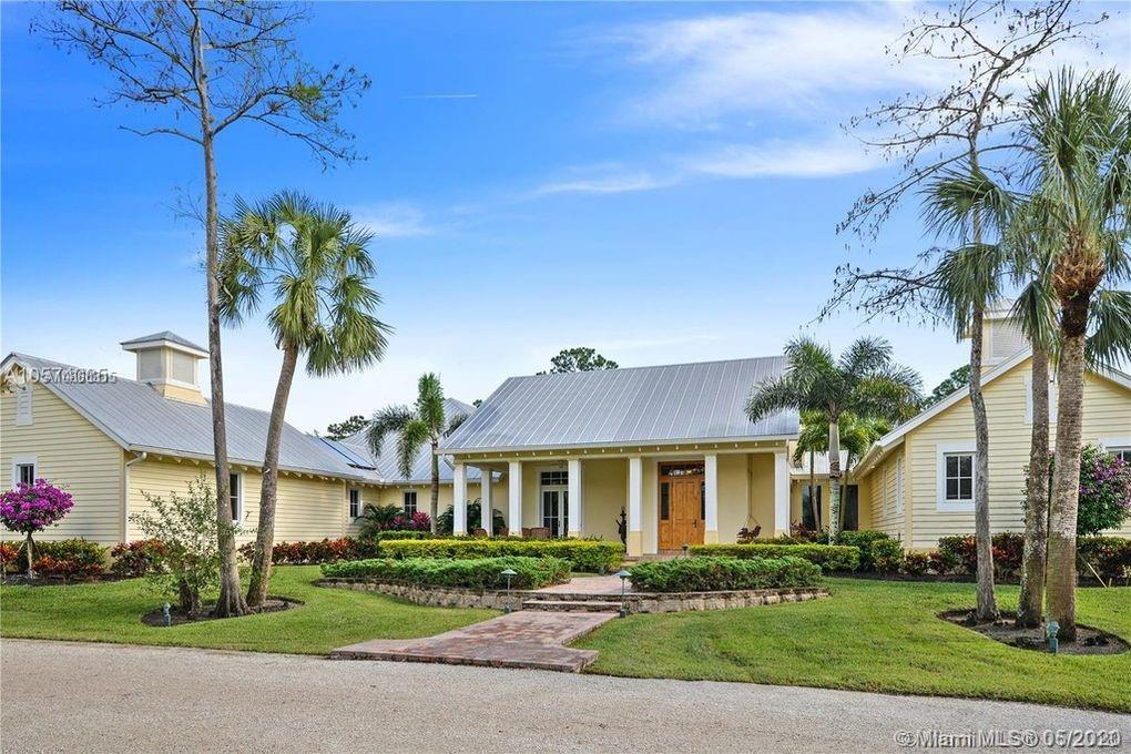 9440 N 169th Court  For Sale A10860315, FL