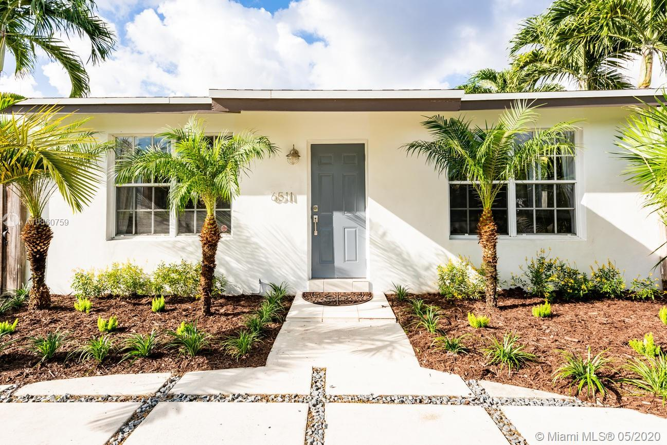 6511 SW 42nd St  For Sale A10860759, FL
