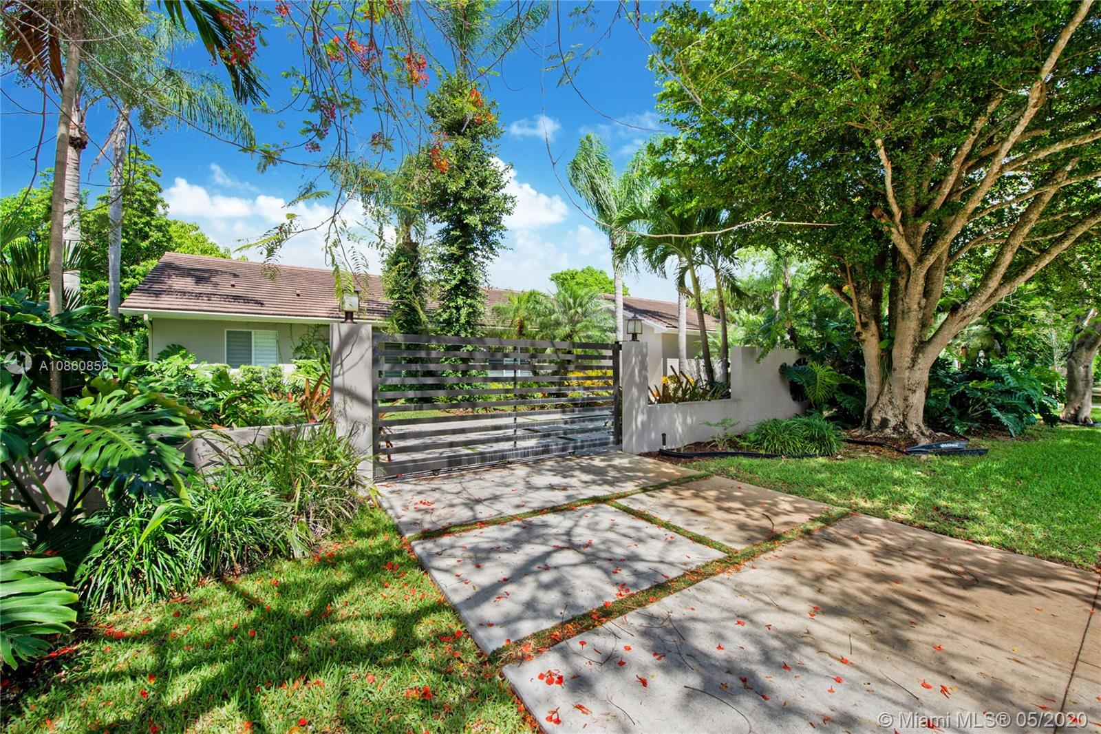 13480 SW 82nd Ave  For Sale A10860858, FL