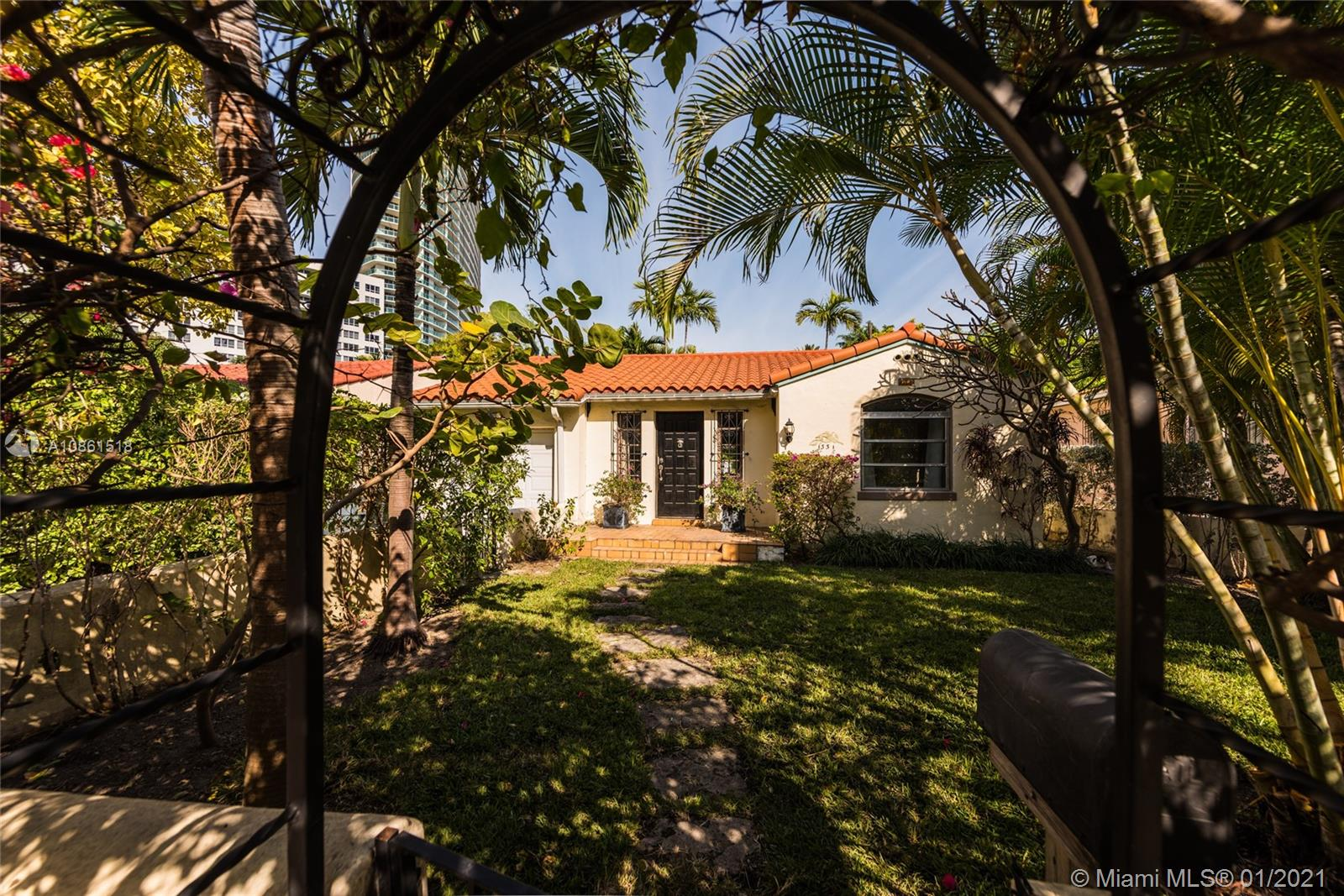 1331  14th Ter  For Sale A10861518, FL