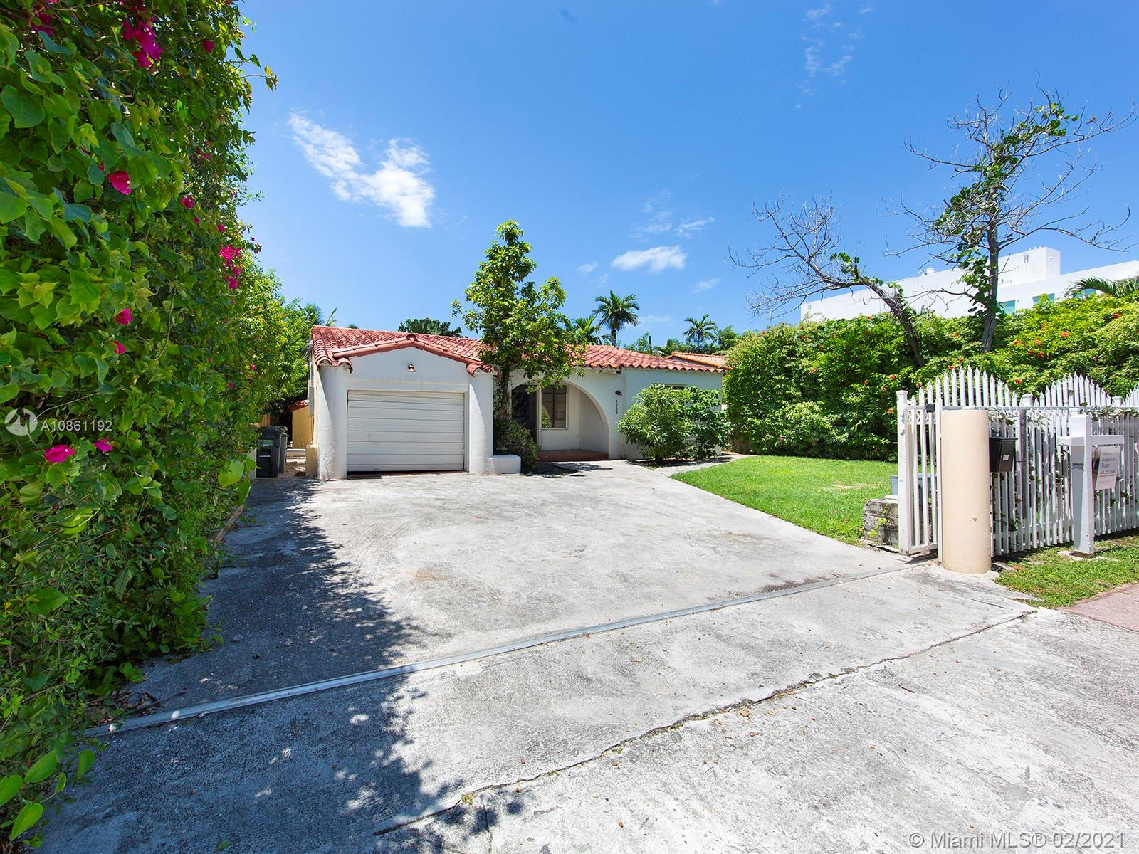 1339  14th Ter  For Sale A10861192, FL