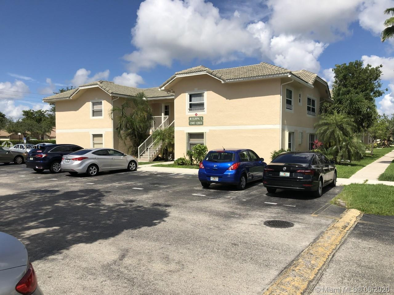 Very cozy / Great Condo in coral springs. First floor w/  3 bed 2 bath - unit featuring an updated kitchen W/ granite counter tops,  all tile floors, all around rated accordion shutters for your family protection. (very few units in the complex has this feature), a walk-in closet in the master bedroom, a laundry room closet with washer & dryer, a screened patio with garden views. Community pool onsite, outside building freshly paint. Royal Garden in Coral Springs located walk in distance from good schools. Near shopping, highways and recreation pools. Low taxes and association fee. 2 assigned parking spaces,pet o.k., all ages welcome. Water included on HOA w basic cable.