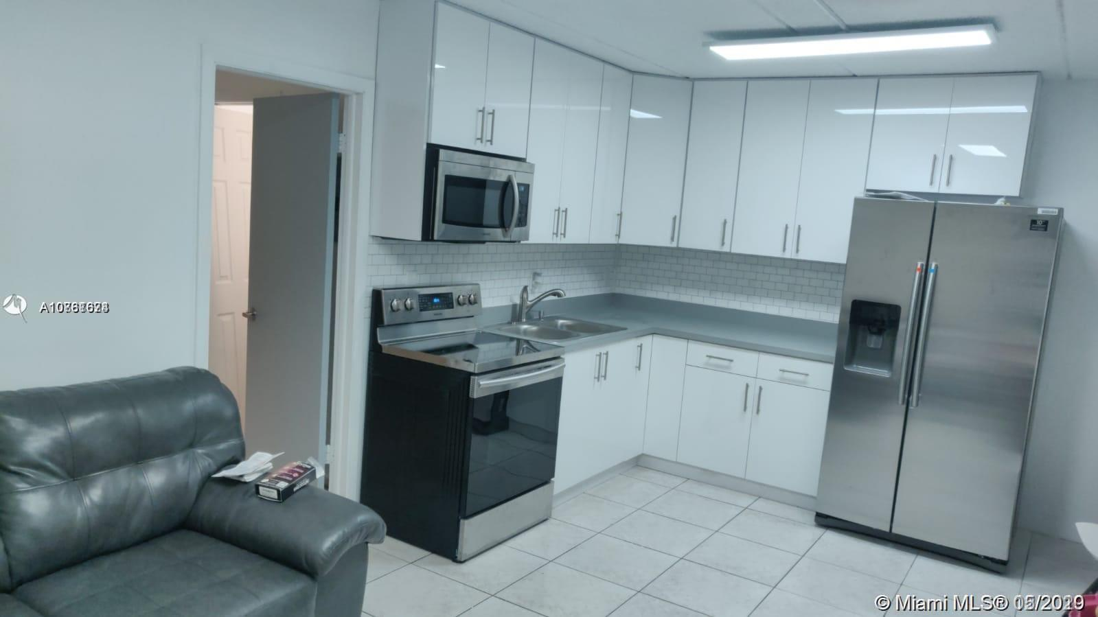 3211 SW 44th St #204 For Sale A10861674, FL