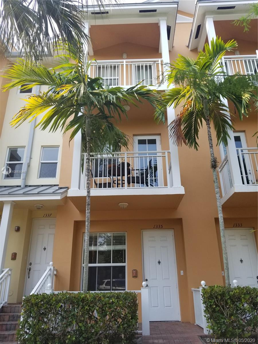 1335 SW 4th Ct #1335 For Sale A10861646, FL