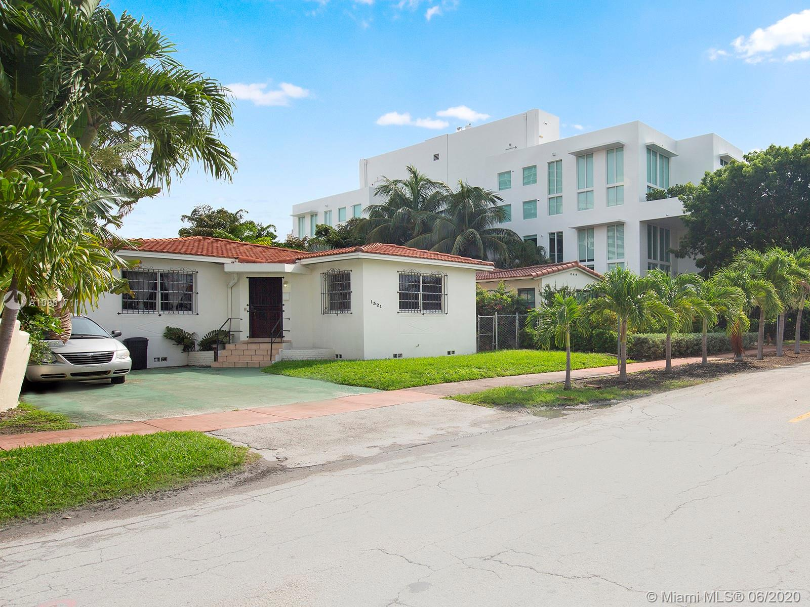 1321  14th Ter  For Sale A10861711, FL