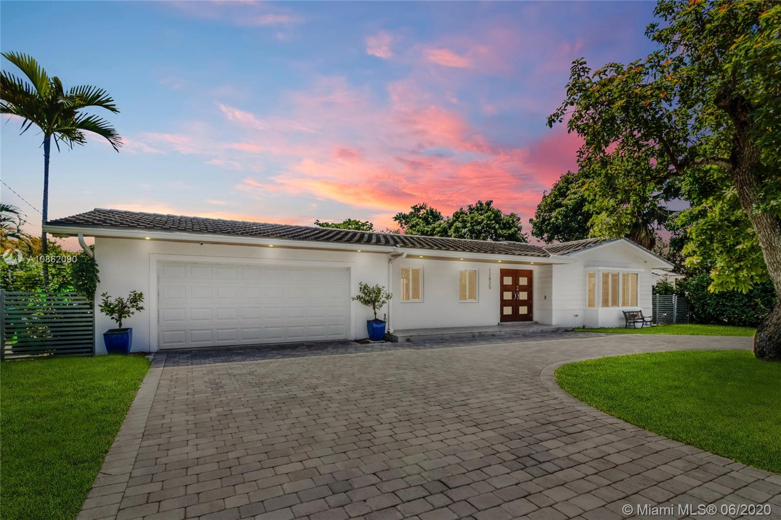 12825 SW 77th Ave  For Sale A10862090, FL