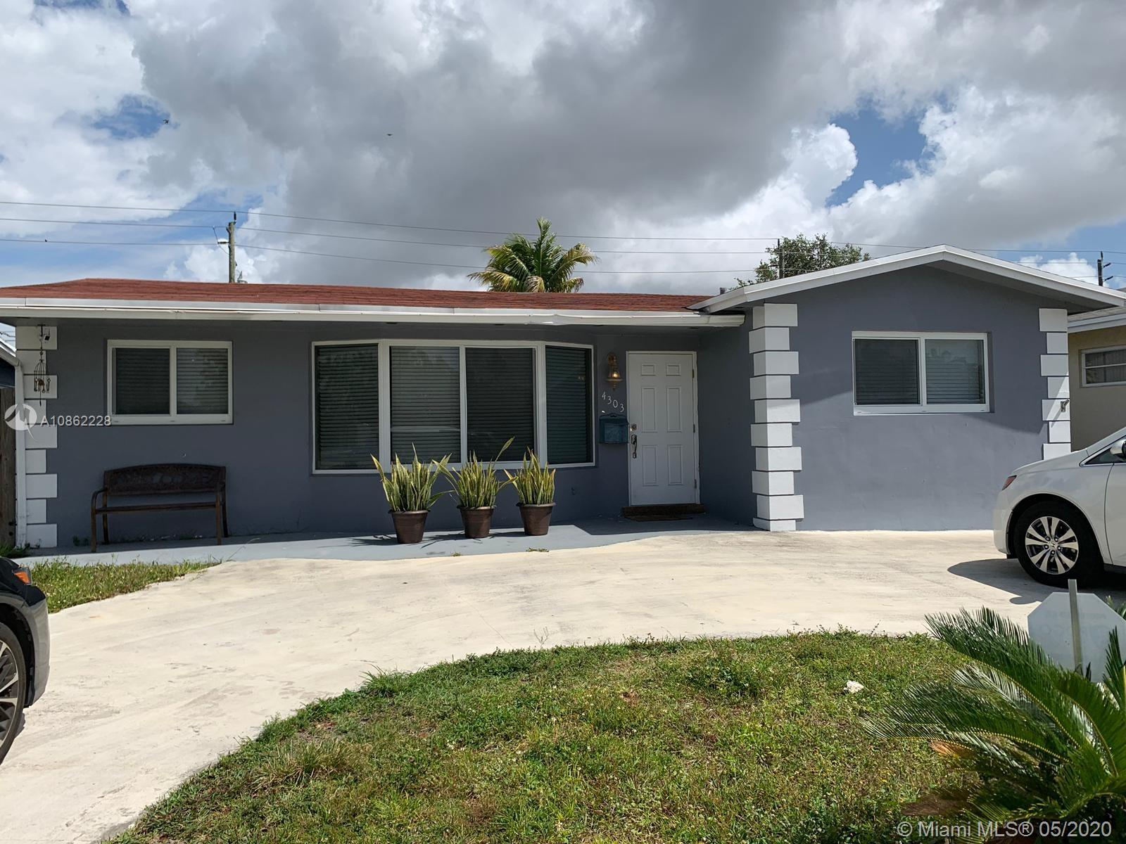 4303  Hayes St  For Sale A10862228, FL