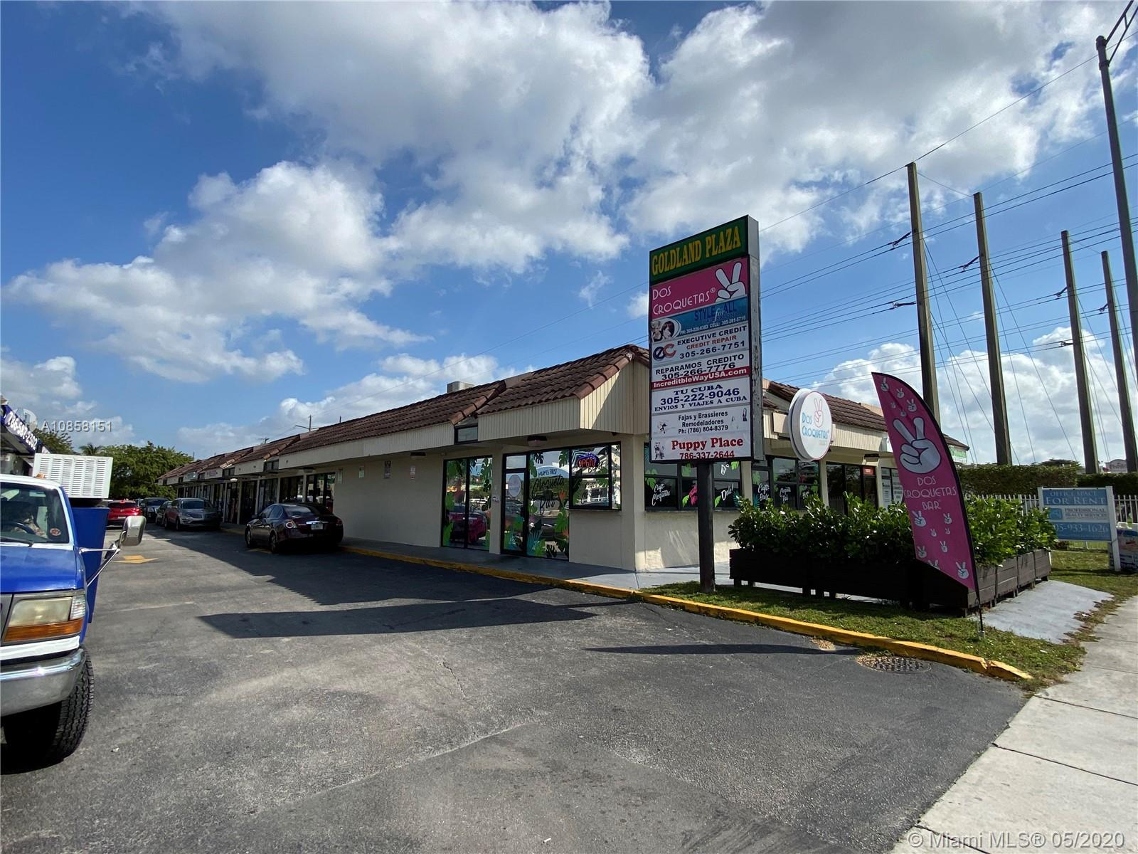 10525 SW 40 ST  For Sale A10858151, FL