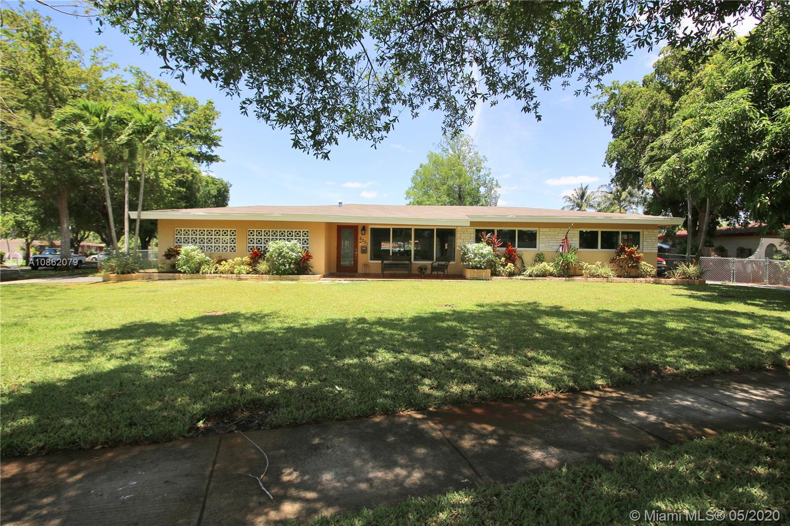 Superb pool home with open floor plan, nested in 1/3 acre corner lot! Newer roof, insulation and AC system replaced 2017. New floor just installed two weeks ago. Most of the home has impact windows. Some openings are not impact. A must see this gem in highly desirable Plantation Park. Entertain your friends and family on the large pool deck. Pride of ownership! Sellers can not close until August 1st or later. Buyer must be prepared to wait. Cash offers comes come with proof of funds. Financed offers must come with Pre-approval and DU. Free appraisal with prefered lender. Virtual Tour: https://www.zillow.com/view-3d-home/4f801691-0494-482e-b7da-2e6dbffb7beb?setAttribution=mls&wl=true