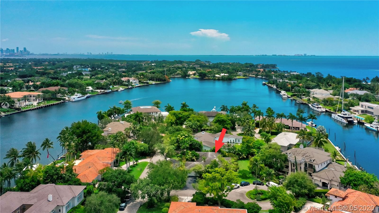 570  Reinante Ave  For Sale A10861019, FL