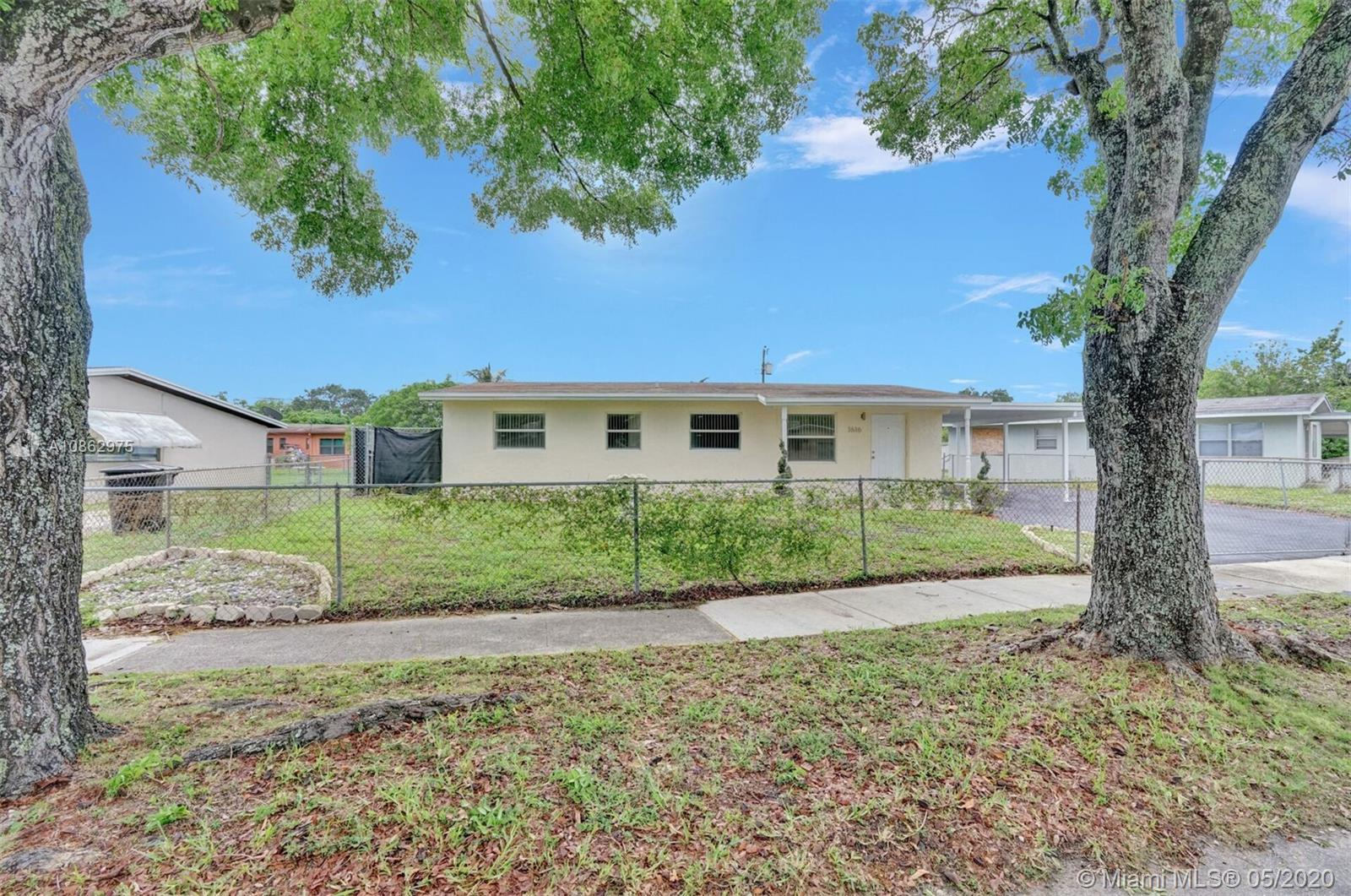 1616 NW 15th St  For Sale A10862975, FL