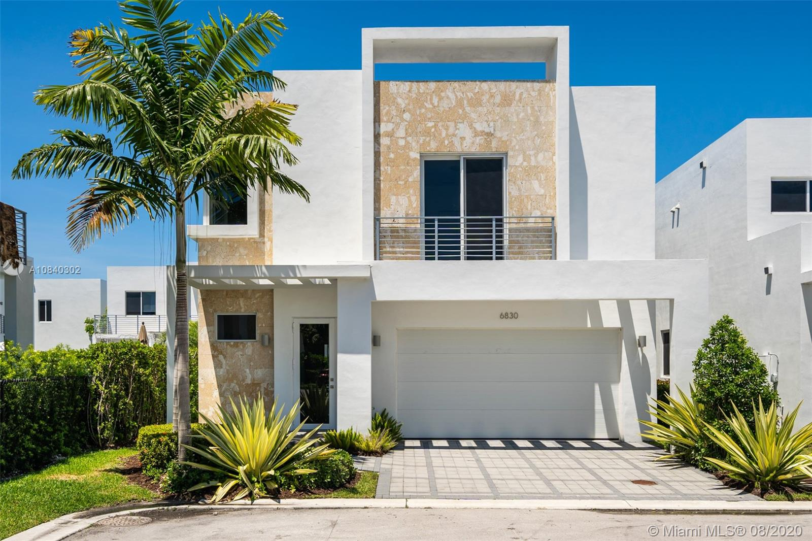 6746 NW 103rd Ave  For Sale A10840302, FL