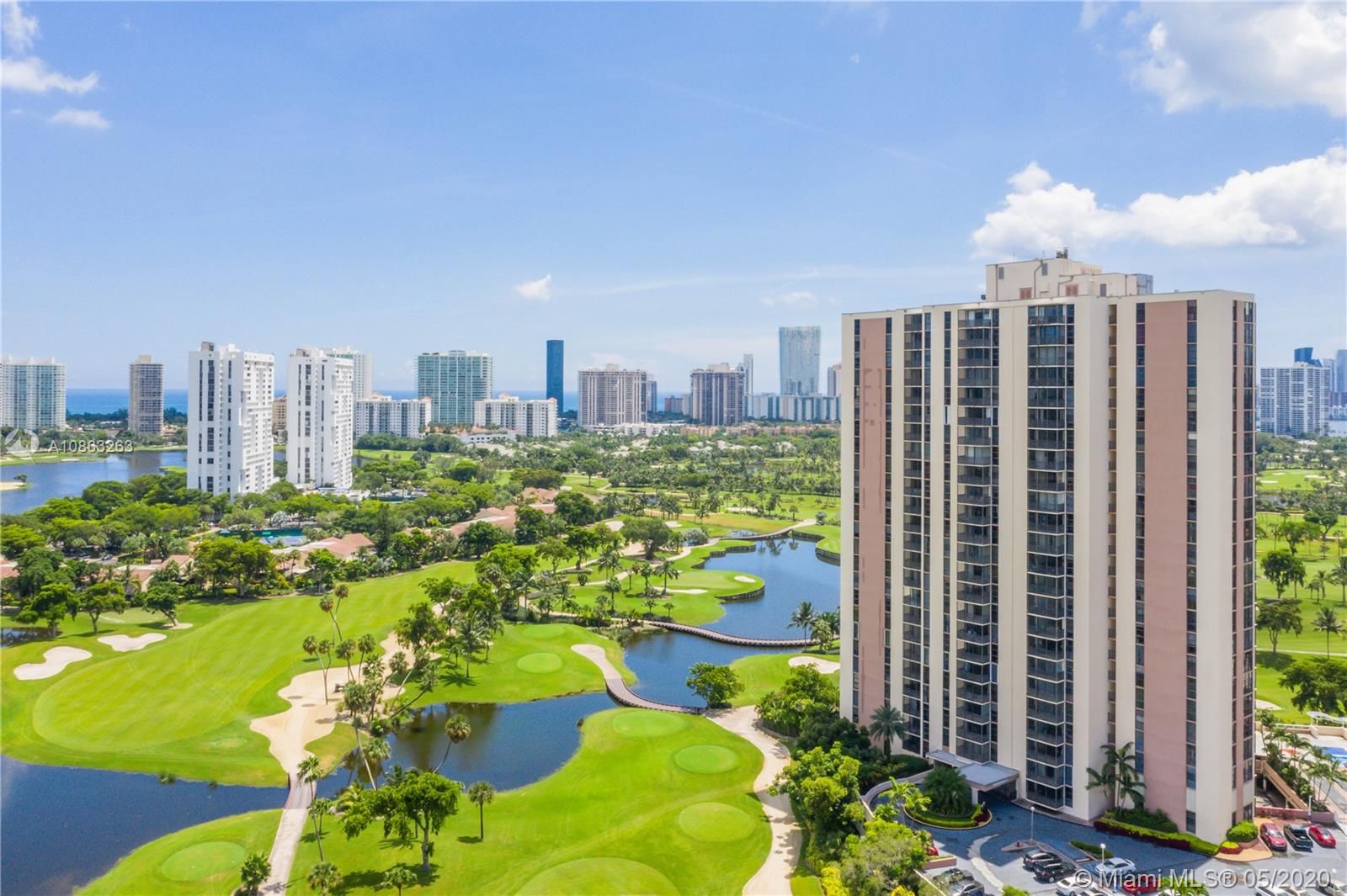 20301 W Country Club Dr #922 For Sale A10863263, FL
