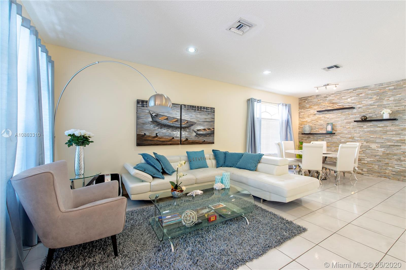 10819  Limeberry Dr  For Sale A10863310, FL