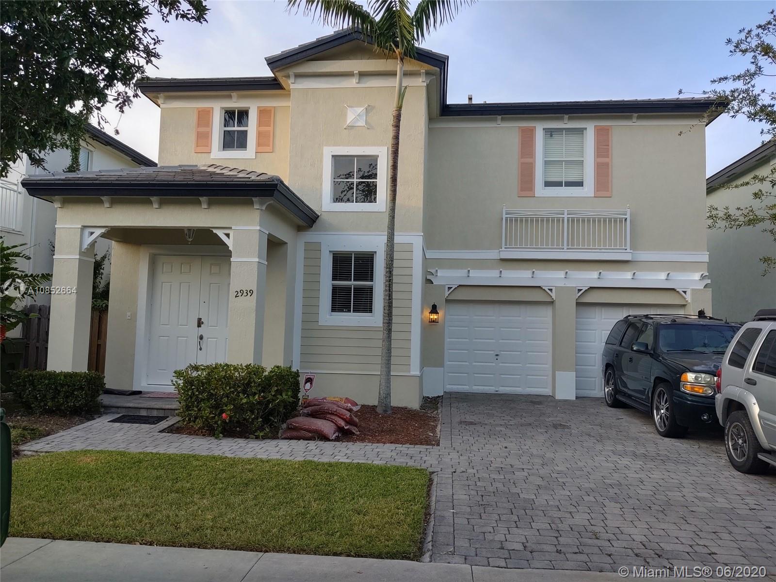 2939 NE 1st Dr  For Sale A10852664, FL