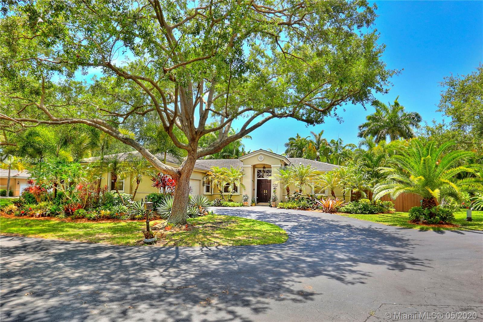 7606 SW 147th St  For Sale A10863163, FL