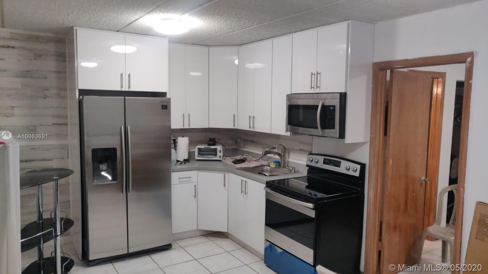 3211 SW 44th St #205 For Sale A10863691, FL
