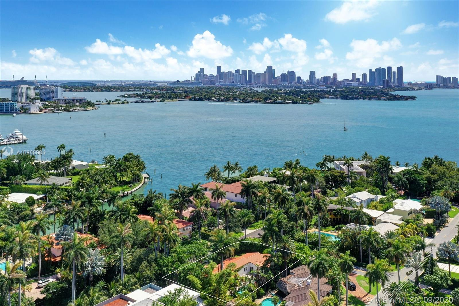 1745 W 23rd St  For Sale A10860904, FL