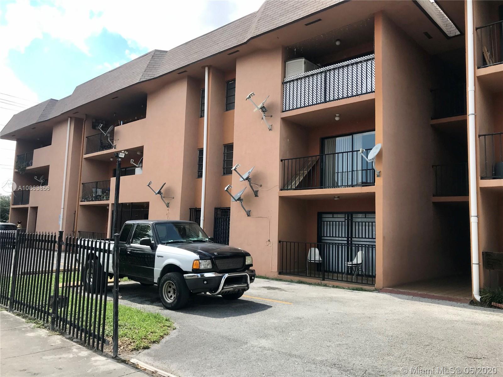 1471 W 43rd Pl 203, Hialeah, FL 33012
