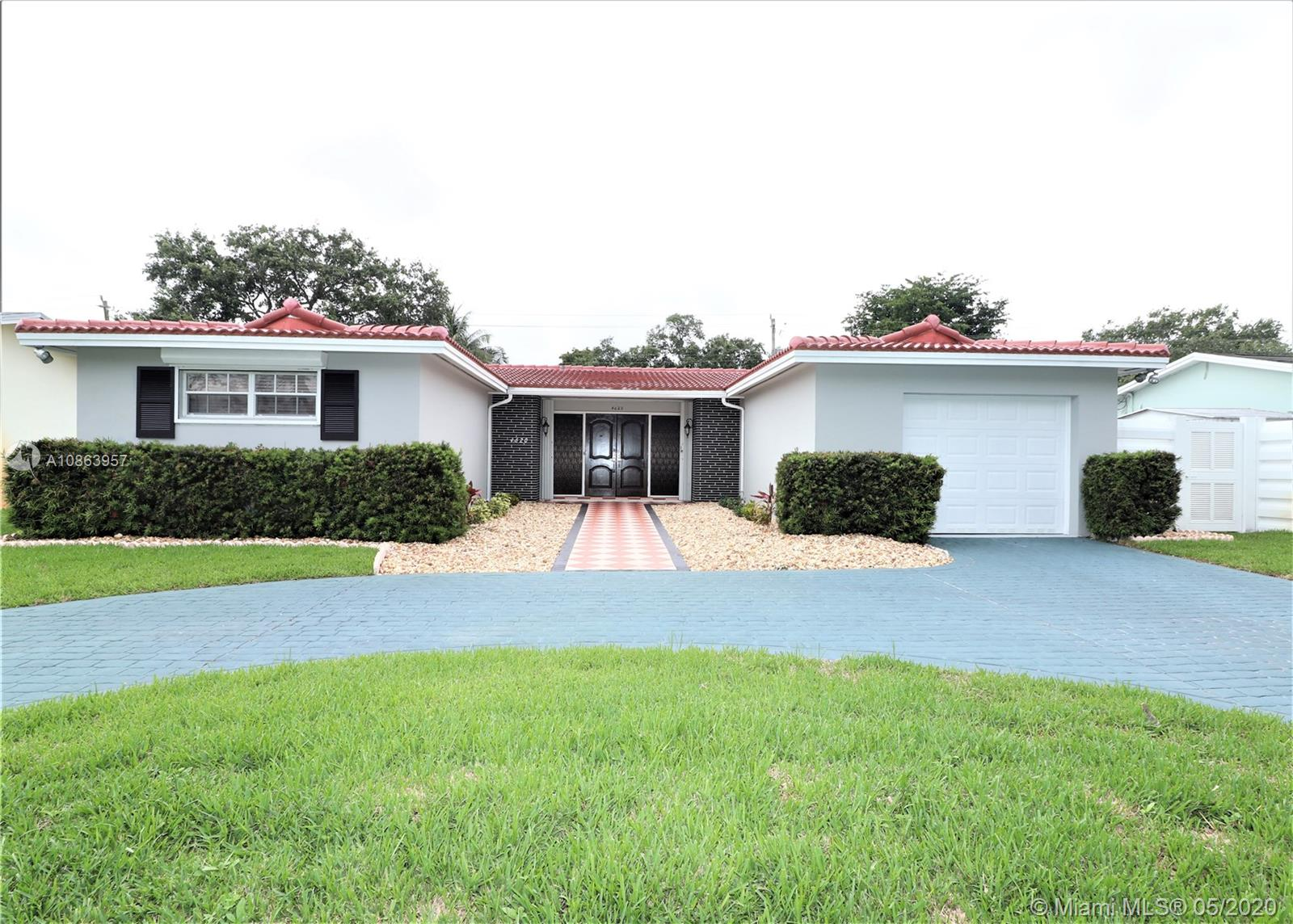 4620 W Park Rd  For Sale A10863957, FL