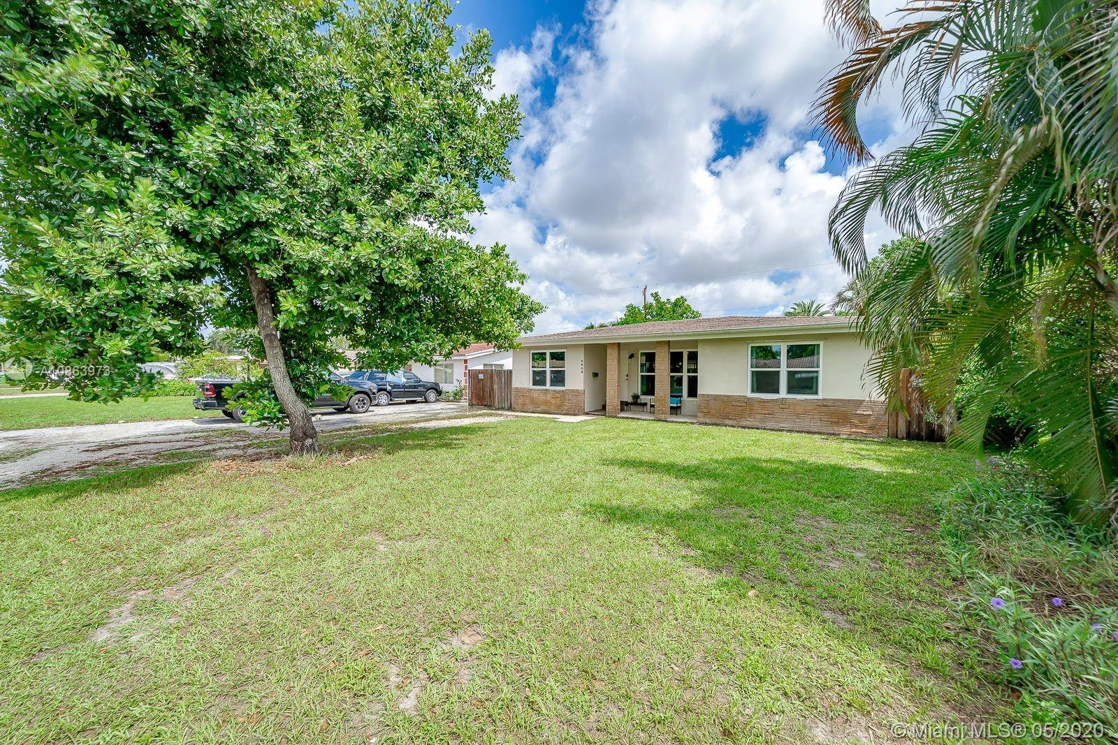 6809 SW 12th St  For Sale A10863973, FL