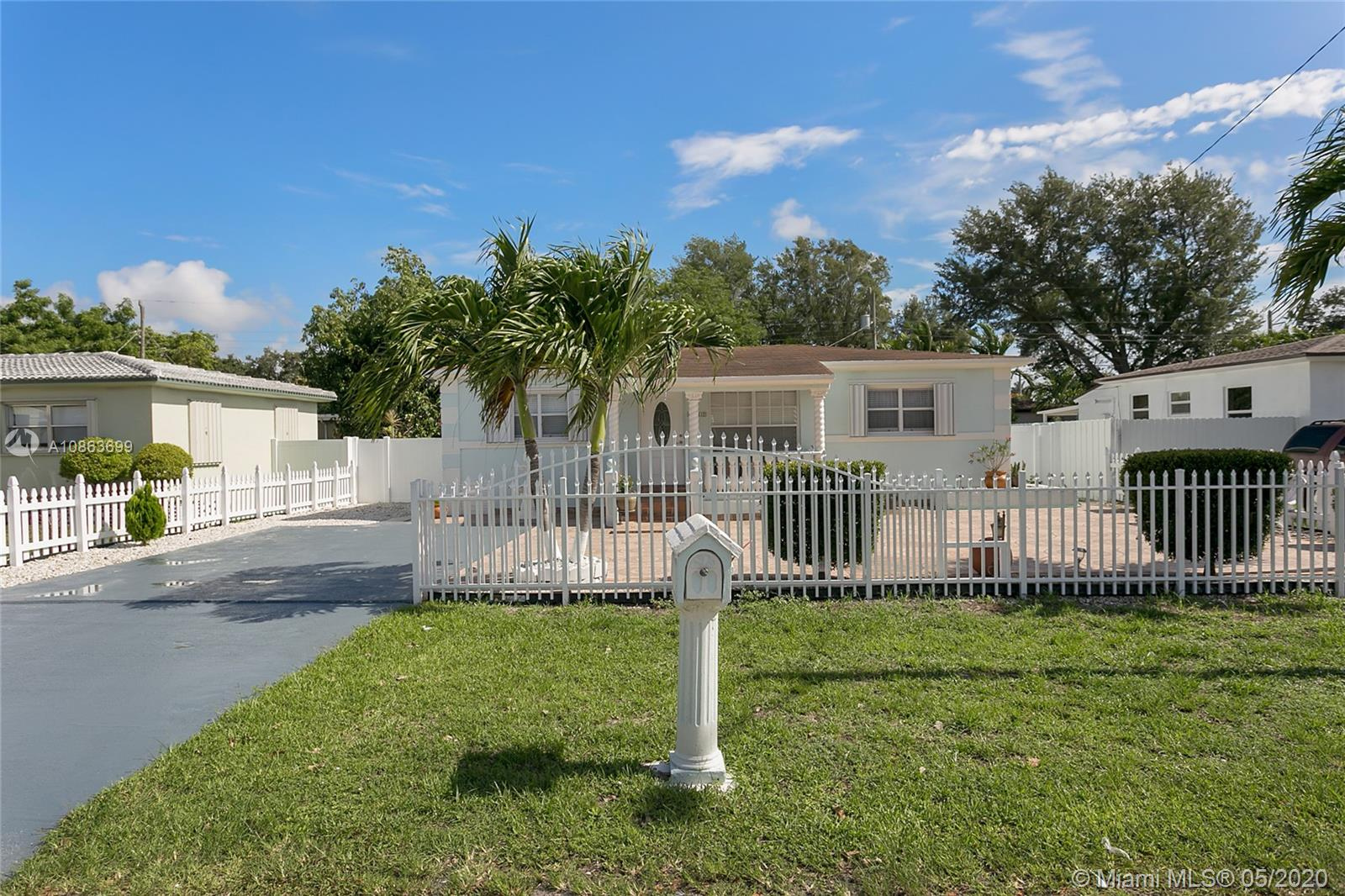 6417  Mayo St  For Sale A10863699, FL
