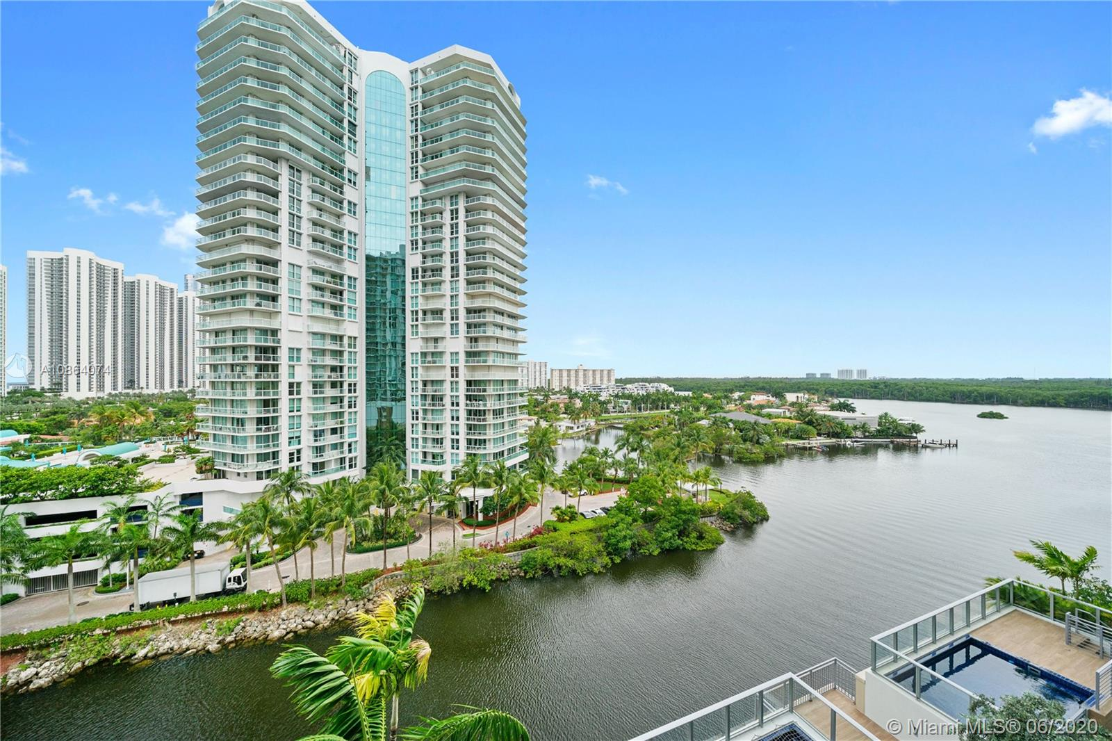 300  Sunny Isles Blvd #4-804 For Sale A10864074, FL