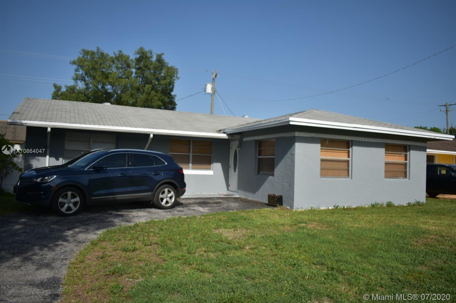 2621 N 72nd Way  For Sale A10864047, FL