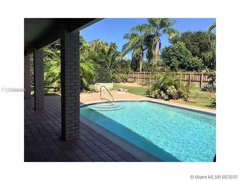 15441 SW 82nd Ave  For Sale A10863610, FL