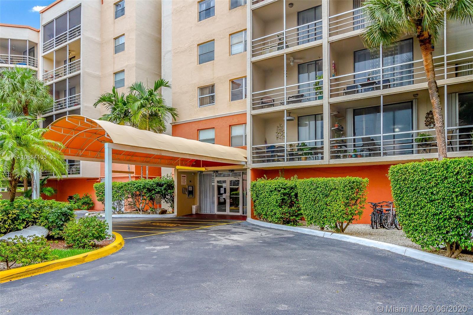 2821 N Miami Beach Blvd #6M For Sale A10864133, FL