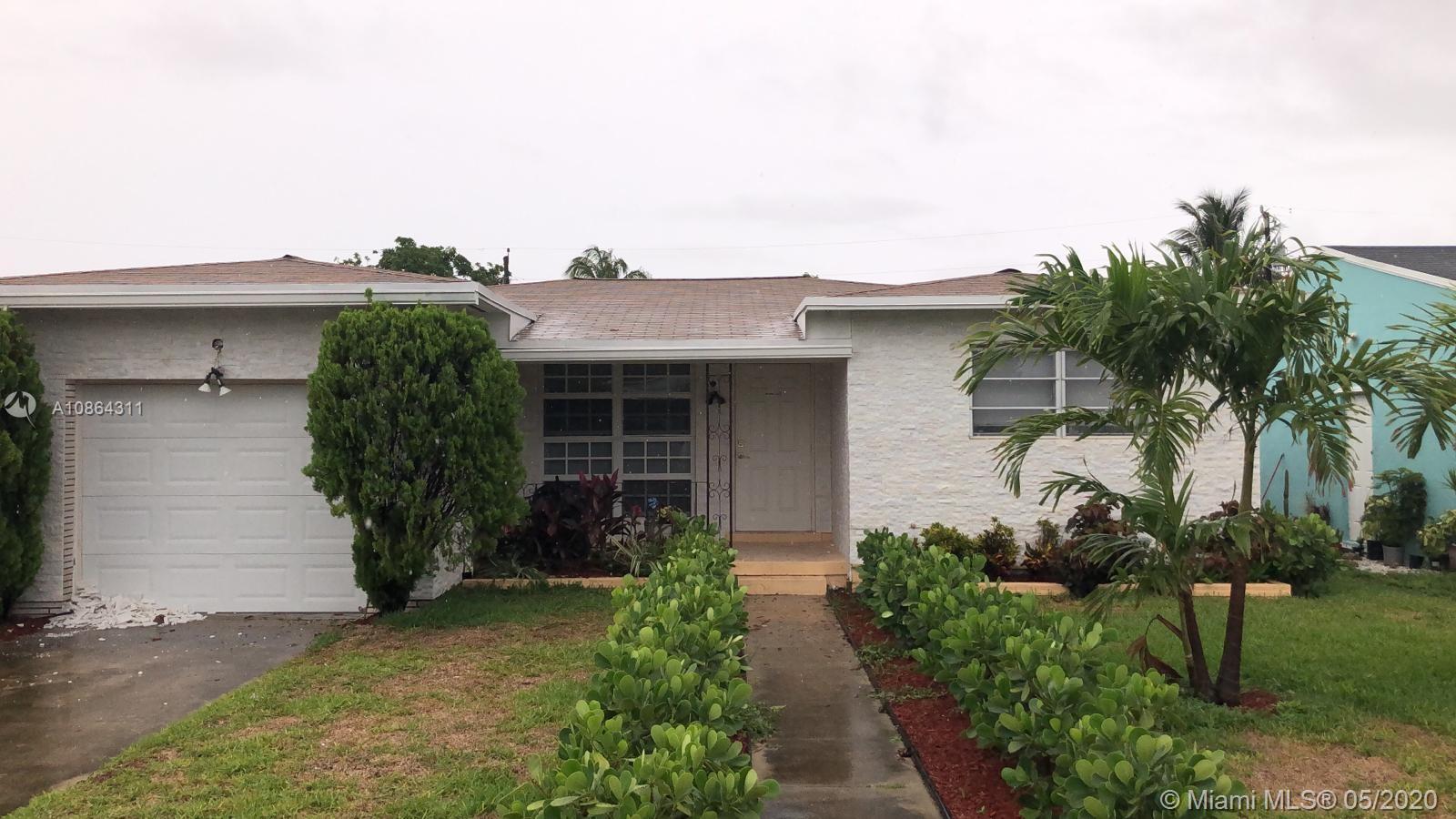 2323  Taft St #whole house For Sale A10864311, FL