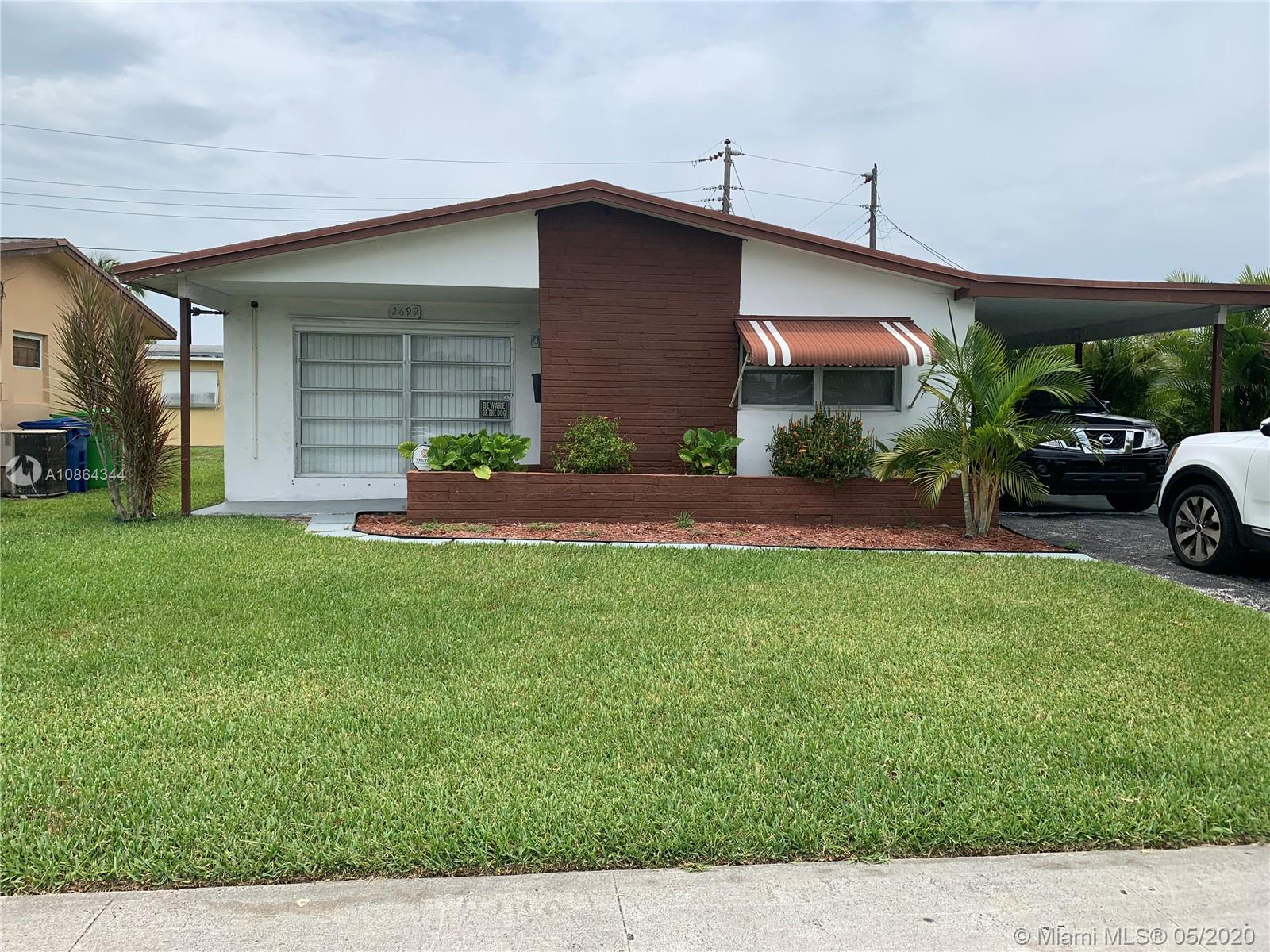 Beautiful starter home well kept and ready for a new owner to call its own..Also great for investors great rental income with low HOA fee(57.59 monthly). Laminate flooring throught the house. Carport covers 2 cars with additional driveway safe for one extra car. Full laundry and utility room. enclosed porch or extra bedroom...