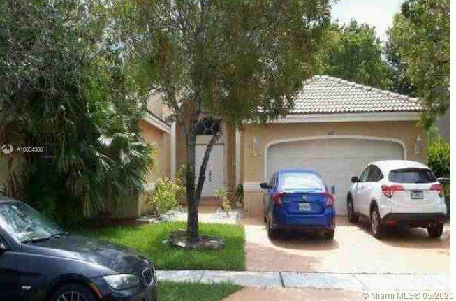 642 SW 200th Ter  For Sale A10864386, FL