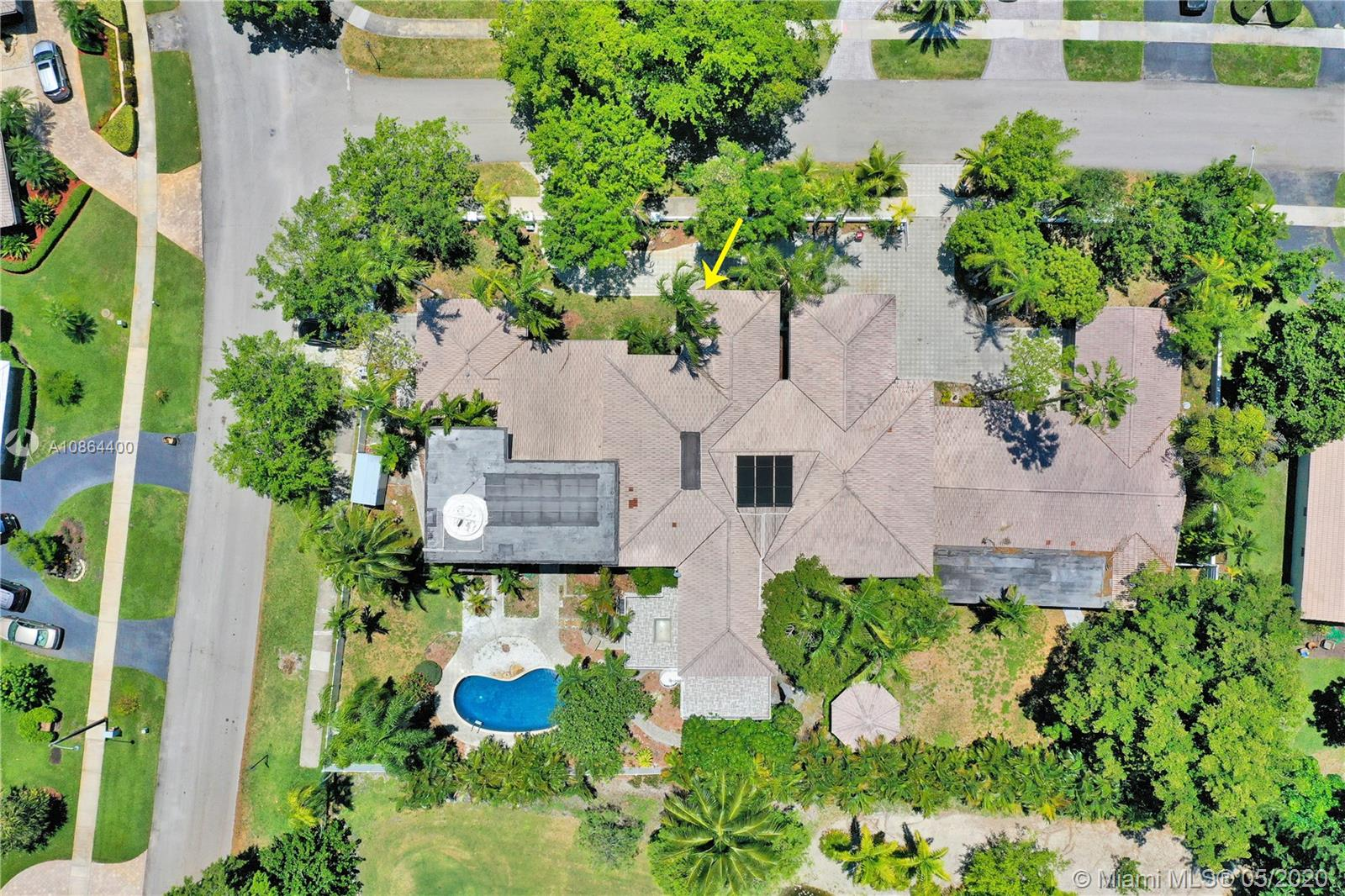 3501 N 53rd Ave  For Sale A10864400, FL