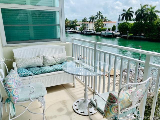 9500 W Bay Harbor Dr #2D For Sale A10863977, FL