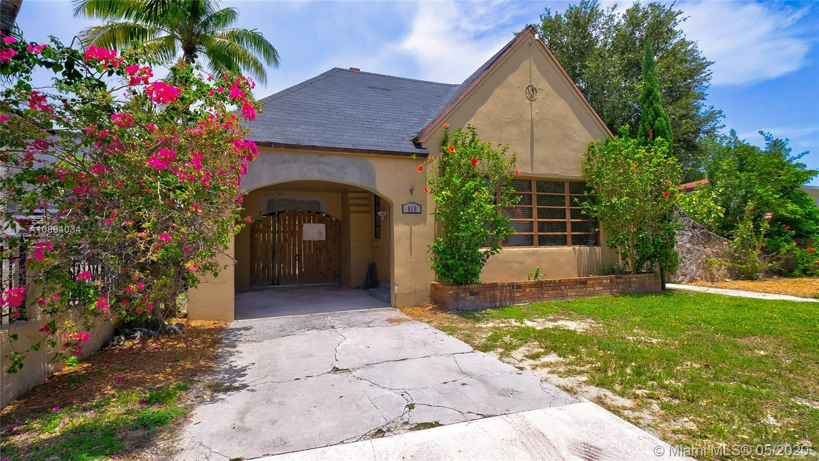 815 NE 82nd St  For Sale A10864034, FL