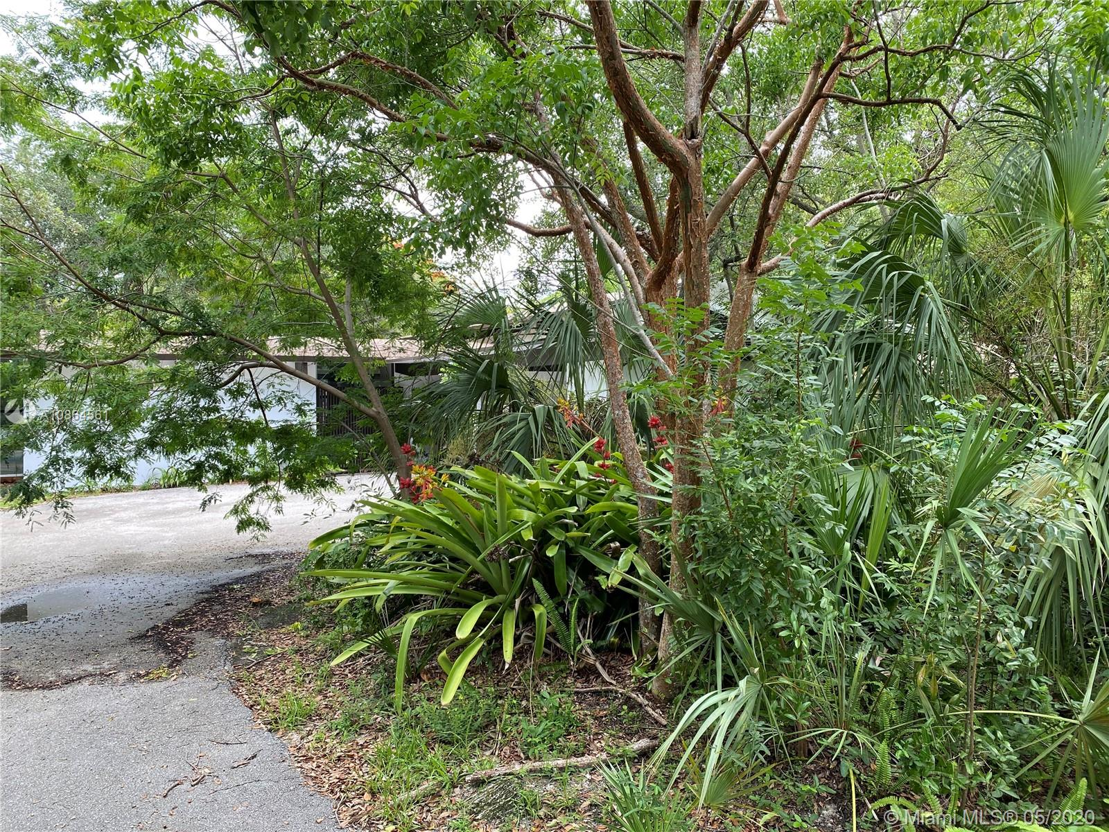 6060 SW 133rd St  For Sale A10864561, FL